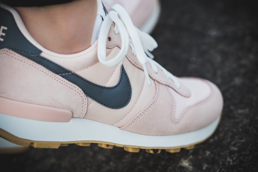 official photos 0450b fe90b ... nike nike internationalist sunset tint cool grey summit white hers  trainers styletext align ...